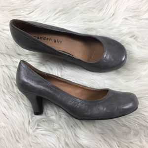 Madden Girl Gray  Round Toe Pumps Size 8